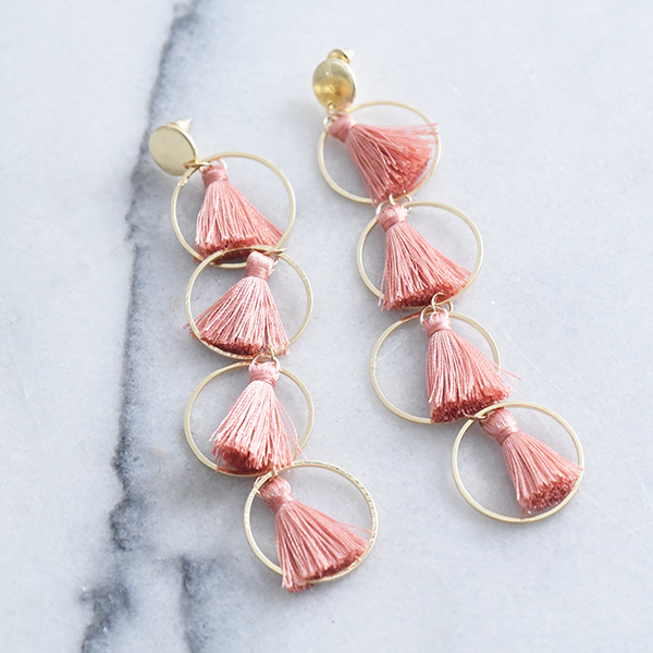 4連タッセルピアス【Aubagne 4 consecutive tassel pierced earrings】