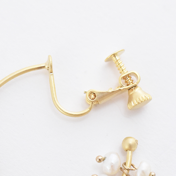 小粒パールフープイヤリング【Senuc Small pearl hoop clip on earlings】