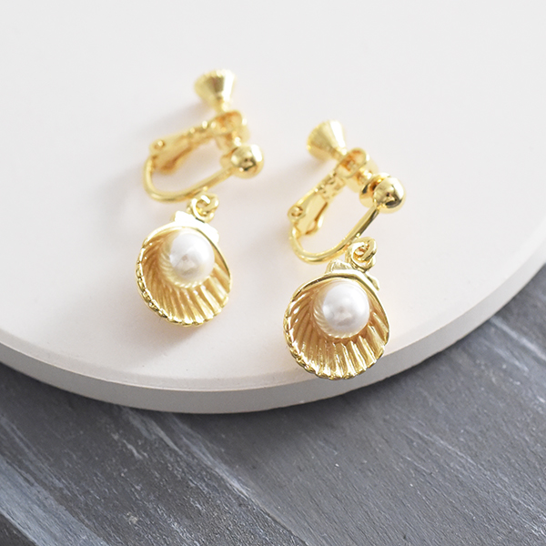 真珠貝イヤリング【Reugny pearl shell clip on earlings】
