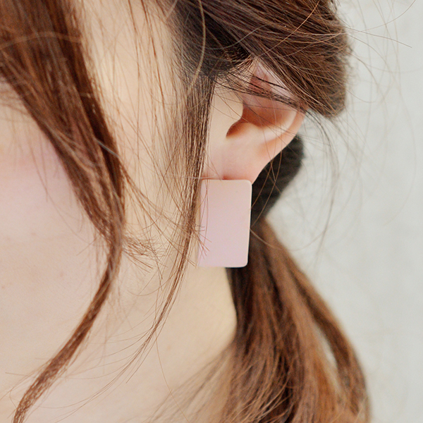 マットレクタングルピアス【Gueret mat rectangle pierced earrings】