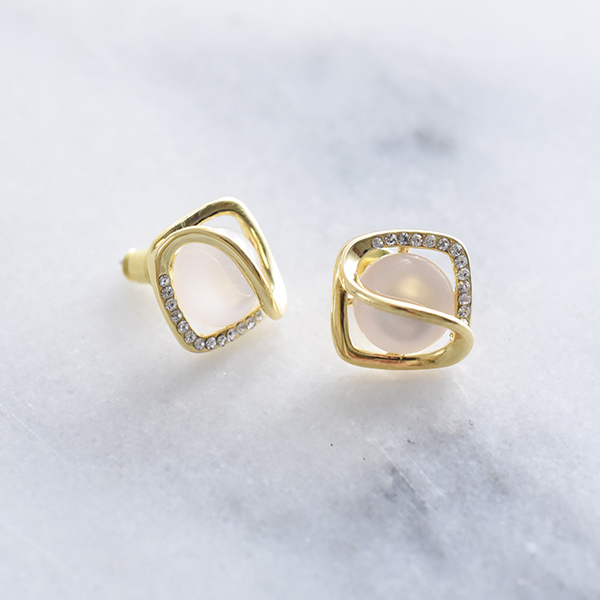 キラキラストーンのスクエアピアス【Murs square of sparkling stone pierced earrings】