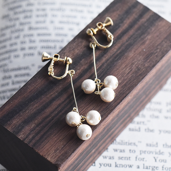コットンパールイヤリング【Mettray cotton pearl clip on earlings】