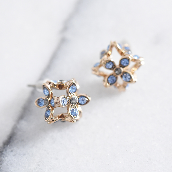 お花四角ピアス【Prouilly flower square pierced earrings】
