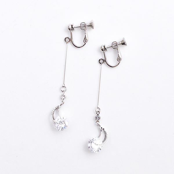 月とビジューのイヤリング【Girolles moon & bijou clip on earlings】