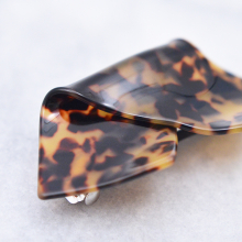 べっ甲風ひねりバレッタ【Betton tortoiseshell style twist valletta】
