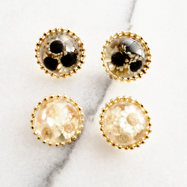 お花封入ドームピアス【Nyons flower pierced earrings】