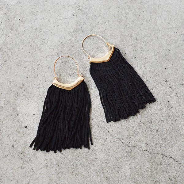 弓型フリンジピアス【Trizay arcuate fringe pierced earrings】