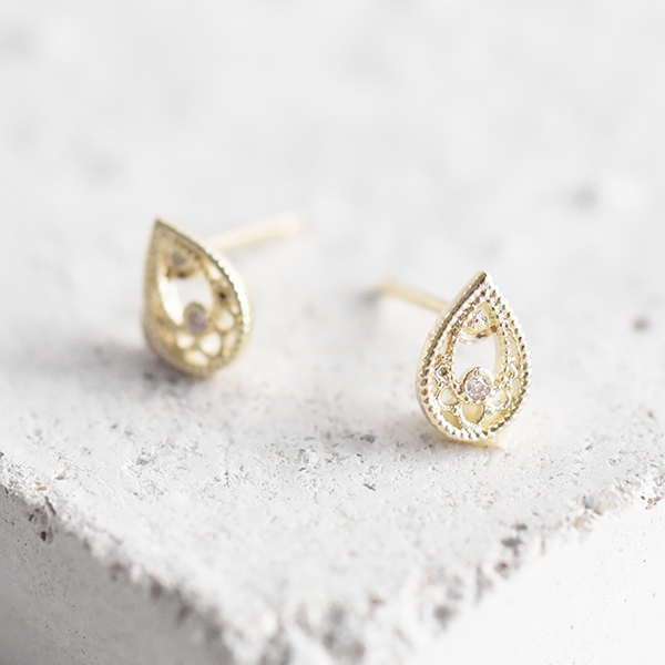しずくピアス【Anet drop pierced earrings】