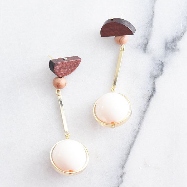 ウッド×ボールパーツピアス【Sannat wood×ball parts pierced earrings】