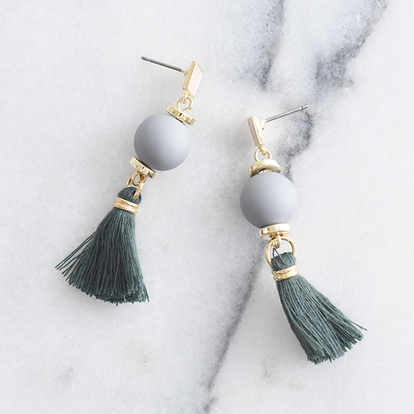ボンボンタッセルピアス【Seigne bonbon tassel pierced earrings】