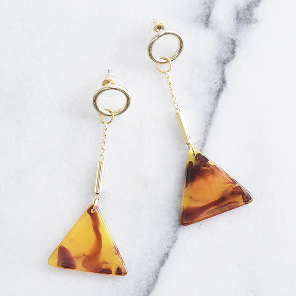 三角べっ甲パーツ付きチェーンピアス【Ars chain with triangle tortoiseshell parts pierced earrings】