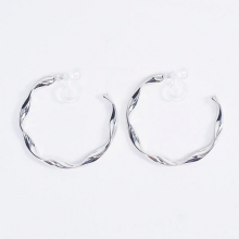 ねじりフープシリコンイヤリング【Prenois torsion hoop silicon clip on earlings】