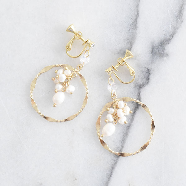サークルパールイヤリング【Vassy circle pearl clip on earlings】