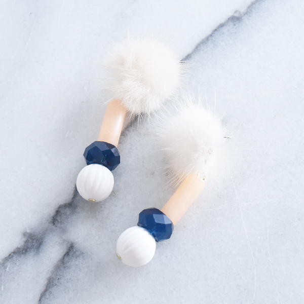 ファー付きマルチカラーパーツピアス【Cholet multi color parts with fur pierced earrings】